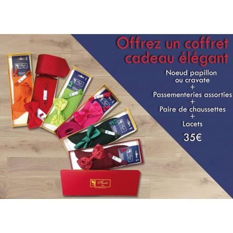 Pack cadeau :  chaussettes fil d'écosse, lacets, nœud papillon ou cravates, passementeries assorties
